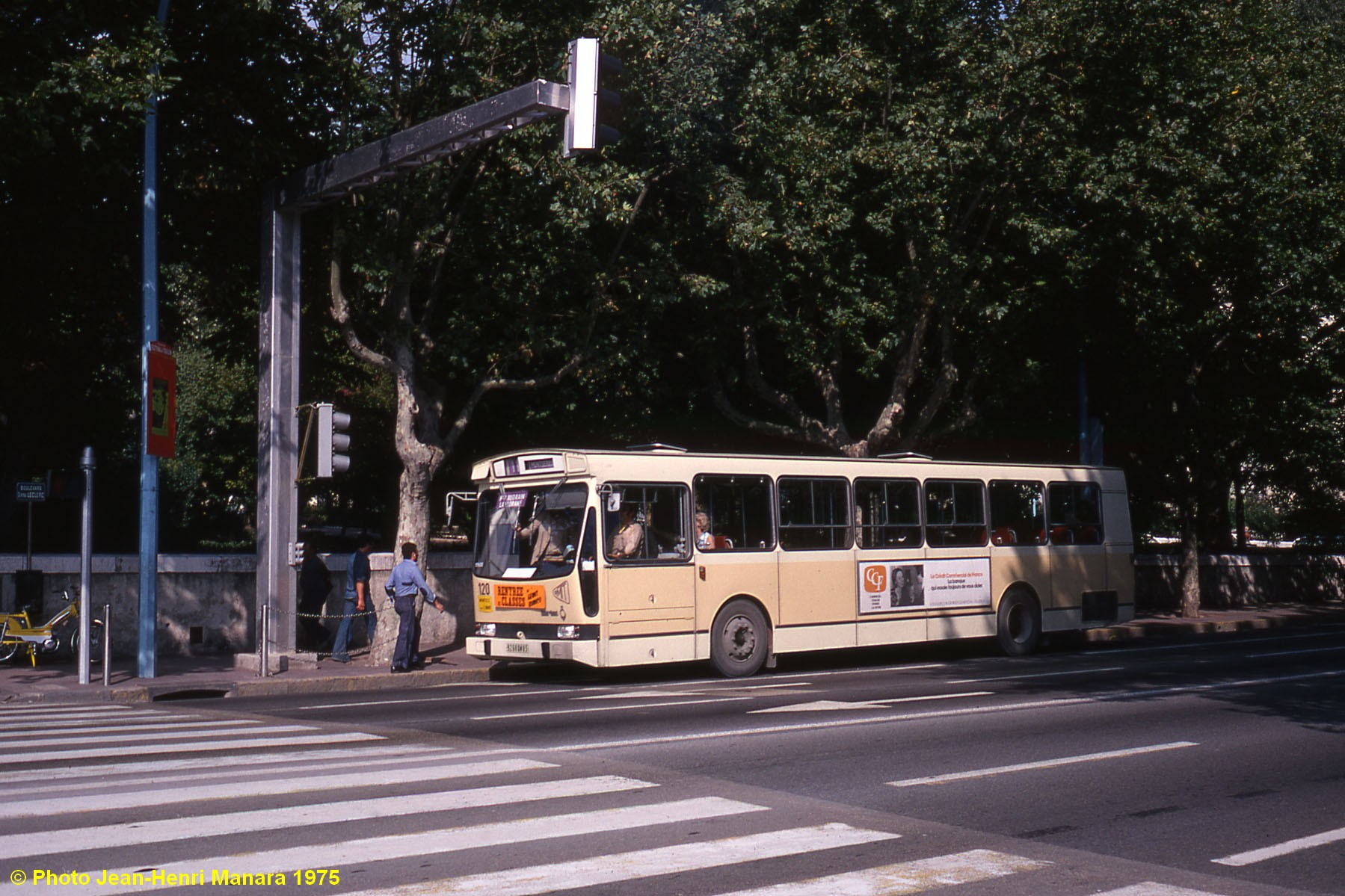 transport mobilit urbaine afficher le sujet on a retrouv le 52. Black Bedroom Furniture Sets. Home Design Ideas